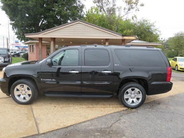 houses for sale in mobile alabama with 2007 Gmc Yukon Xl Sle 1500 Sle 1500 4dr Suv 4wd W3sa 442710791 on Circaoldhouses moreover  also One Bedroom Manufactured Homes in addition mercialgreenhouses moreover Modular Villas Mallorca.