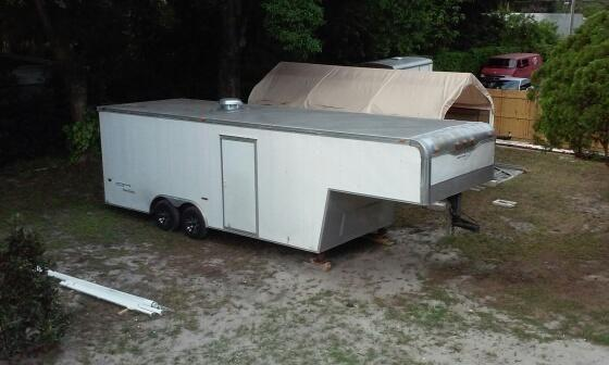 2007 gooseneck enclosed trailer hauler
