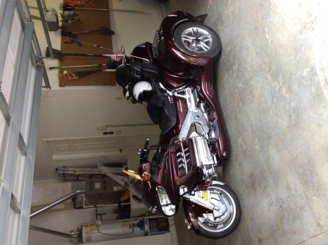 2007 Honda Goldwing trike with cargo trailer, only 4700