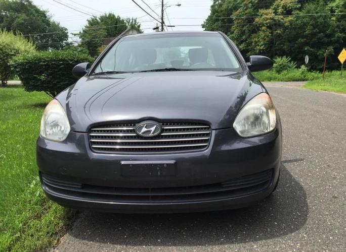 2007 hyundai accent gray color 117k miles for sale in jamesburg new jersey classified. Black Bedroom Furniture Sets. Home Design Ideas