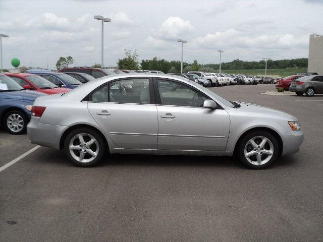 2007 hyundai sonata se for sale in sioux falls south dakota classified. Black Bedroom Furniture Sets. Home Design Ideas