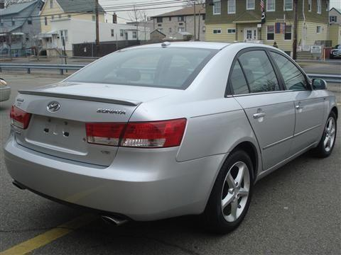 2007 hyundai sonata sedan limited sedan 4d for sale in newark new jersey classified. Black Bedroom Furniture Sets. Home Design Ideas