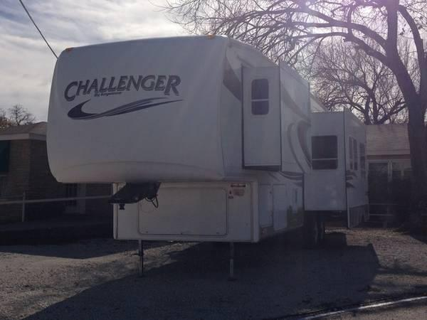 2007 Keystone Challenger 5th Wheel model 34SBH 3 slides Sleeps 7