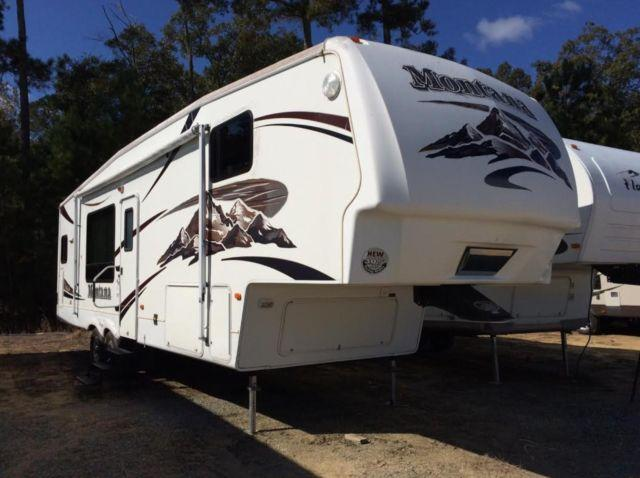 2007 Keystone Montana Fifth Wheel Model 3000rk For Sale In