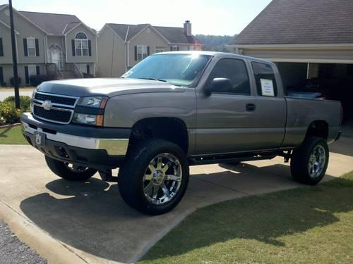 2007 Lifted Chevy Silverado 1500 ext cab