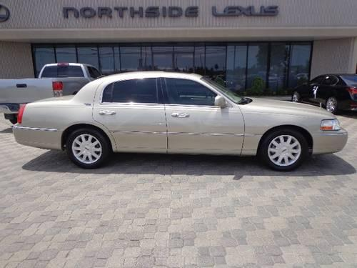2007 lincoln town car 4dr car signature limited for sale in houston texas classified. Black Bedroom Furniture Sets. Home Design Ideas