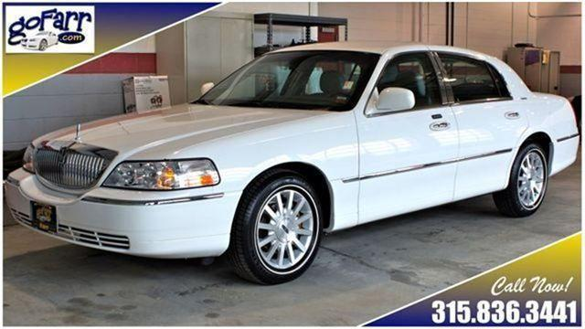 2007 lincoln town car signature for sale in watertown new york classified. Black Bedroom Furniture Sets. Home Design Ideas
