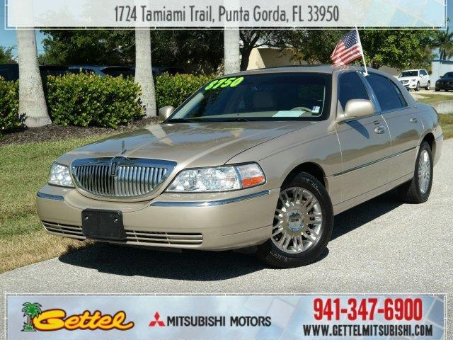 2007 Lincoln Town Car Signature Limited Signature Limited 4dr Sedan