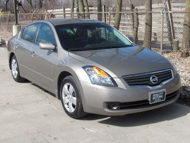 2007 nissan altima 2 5 s for sale in ames iowa classified. Black Bedroom Furniture Sets. Home Design Ideas