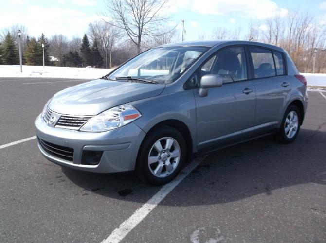 2007 nissan versa s for sale in oakdale minnesota classified. Black Bedroom Furniture Sets. Home Design Ideas
