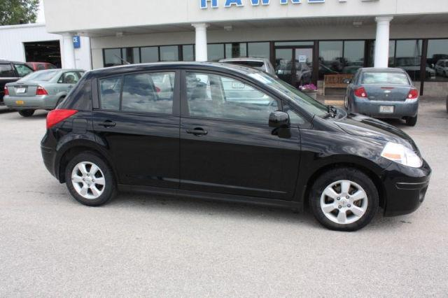 2007 nissan versa s for sale in red oak iowa classified. Black Bedroom Furniture Sets. Home Design Ideas