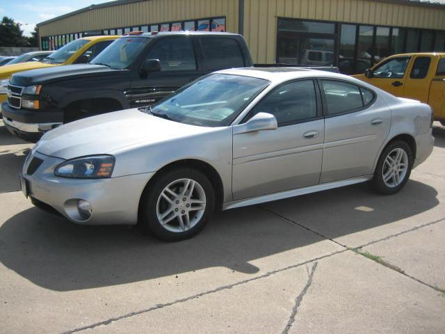 2007 pontiac grand prix gt for sale in canton south dakota classified. Black Bedroom Furniture Sets. Home Design Ideas