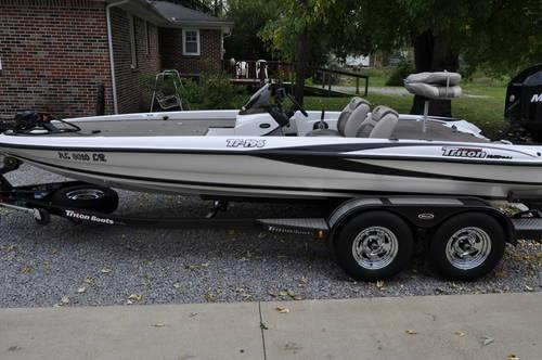 2007 triton tr196 bass boat w 2007 mercury 200 optimax