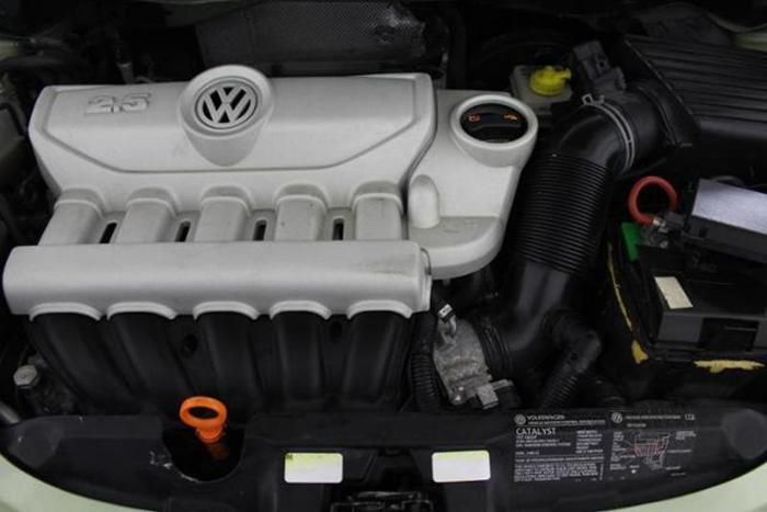 2007 Volkswagen New Beetle 2 5 2 5 2dr Convertible 2 5l