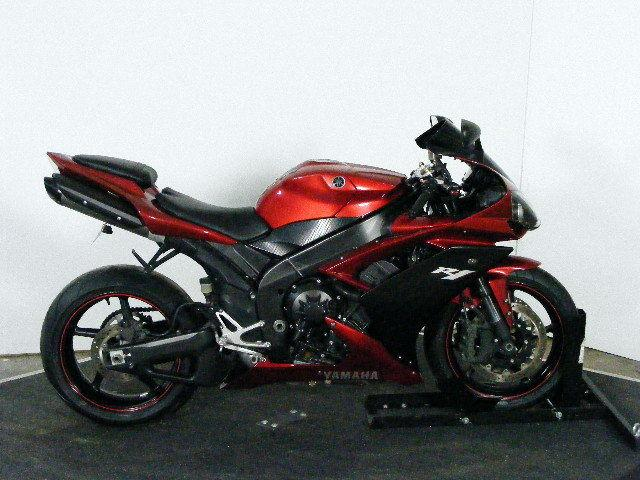 2007 yamaha yzf r1 red hot for sale in marlette michigan classified. Black Bedroom Furniture Sets. Home Design Ideas