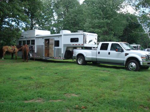 2008 C Amp C Living Quarters Fully Enclosed Slant Stall 4 Horse Trailer For Sale In Monterey