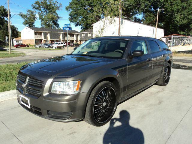 2008 dodge magnum 22inch rims good miles financing available for sale in norfolk. Black Bedroom Furniture Sets. Home Design Ideas