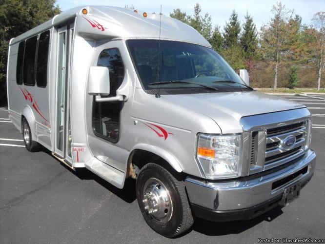 Find used 10 FORD E-350 SHUTTLE BUS 14 PASSENGER 149000 ...  |Passenger Shuttle Buses