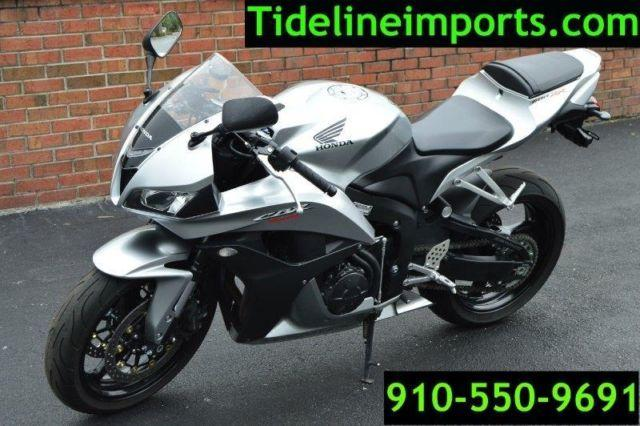 2008 Honda CBR 600RR horizontal Inline 599 cc Grey Black