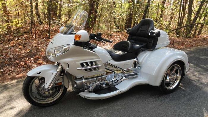 2008 HONDA GOLDWING GL 1800 w/ CALIFORNIA SIDECAR'S