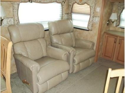 2008 Keystone Everest M-345s