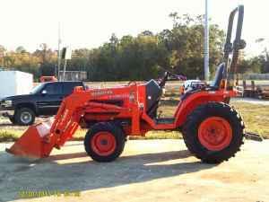 2008 Kubota B7610 4X4 Tractor - $7000 (Gulf Breeze)