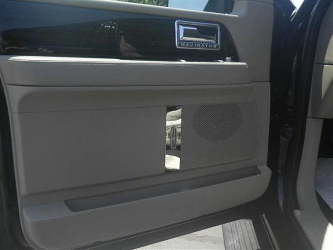 2008 Lincoln Navigator Base 4dr SUV