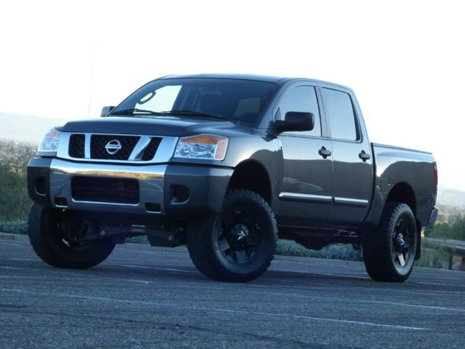 2008 nissan titan 2wd crew cab swb se lifted custom wheels for sale in phoenix arizona. Black Bedroom Furniture Sets. Home Design Ideas