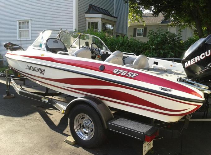 2008 Stratos 476SF Fish and Ski Boat