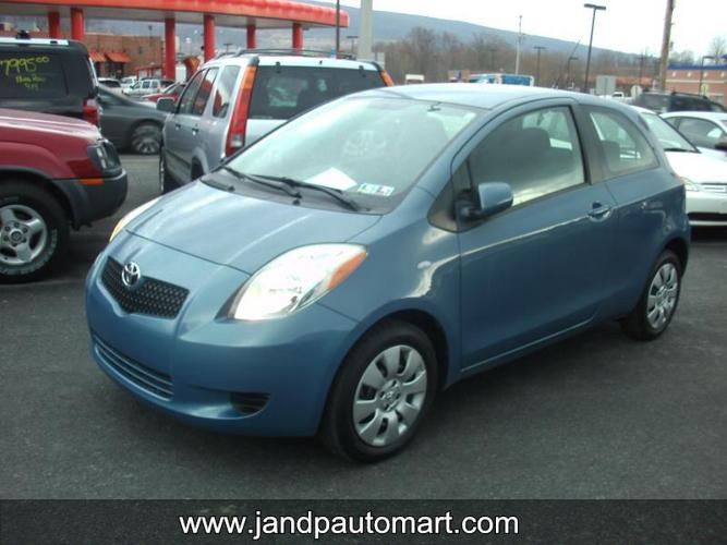 2008 TOYOTA YARIS Base 2dr Hatchback 5M