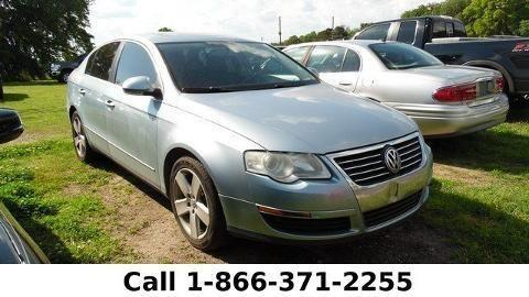 2008 VOLKSWAGEN PASSAT 4 DOOR SEDAN