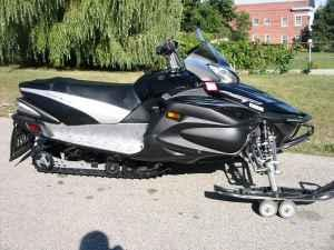 2008 yamaha vector gt snowmobile port washington for for Used yamaha snowmobiles for sale in wisconsin