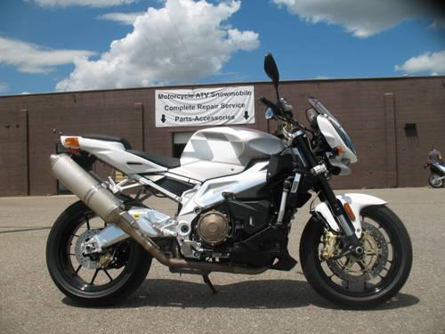 2009 Aprilia Tuono 1000R sportbike