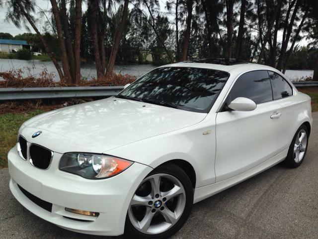 2009 bmw 128i coupe clean title carfax low miles mint. Black Bedroom Furniture Sets. Home Design Ideas