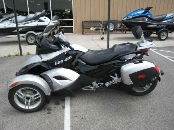 2012 Can-Am Spyder RS-S Review - Total Motorcycle