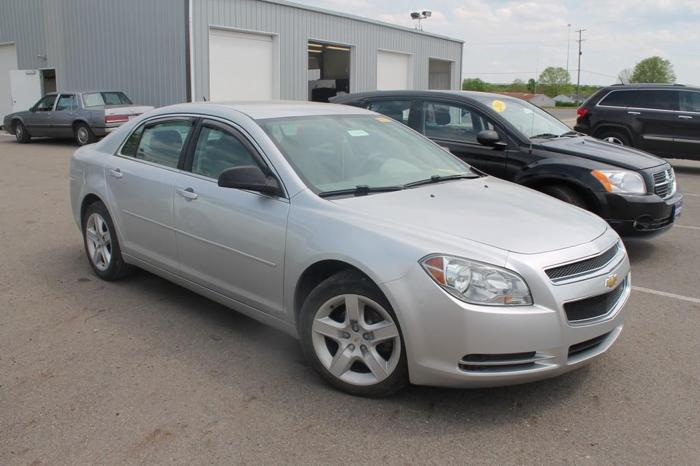 2009 chevrolet malibu ls 4dr sedan for sale in chillicothe ohio classified. Black Bedroom Furniture Sets. Home Design Ideas