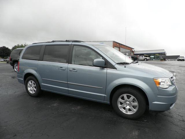 2009 chrysler town country touring for sale in park hills missouri classified. Black Bedroom Furniture Sets. Home Design Ideas