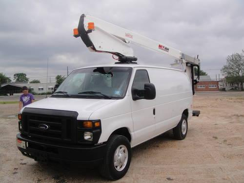2009 Ford E350 Bucket Boom Van For Sale In Laurence Harbor