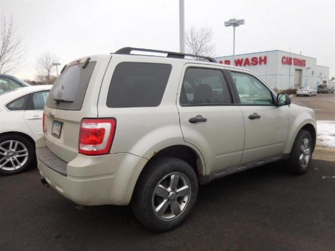 2009 ford escape xlt xlt 4dr suv for sale in otsego minnesota classified. Black Bedroom Furniture Sets. Home Design Ideas