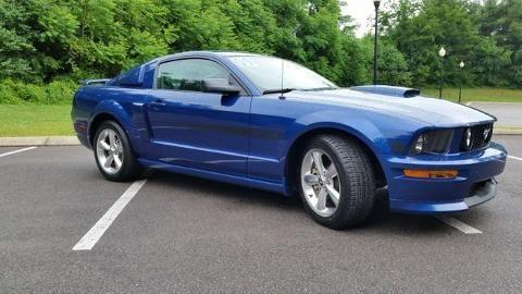 2009 FORD MUSTANG 2 DOOR COUPE for Sale in Murfreesboro