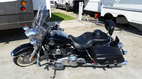 2009 Harley Davidson FLHRC Road King Classic in Molino,