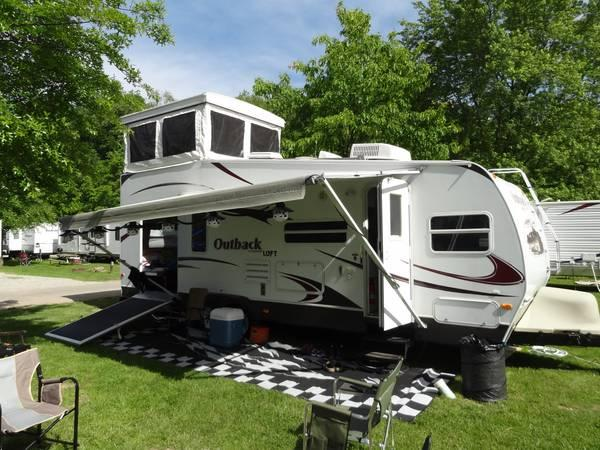 2009 keystone outback loft 27l for sale in medina ohio for Rv with loft