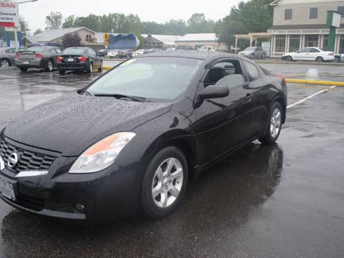 2009 Nissan Altima 2 Dr Coupe for Sale in New Hampton New