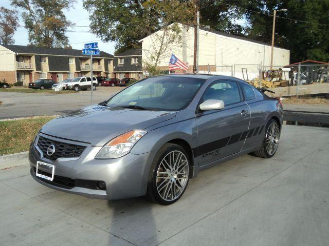 2009 nissan altima s coupe 1 owner wheels financing available for sale in norfolk. Black Bedroom Furniture Sets. Home Design Ideas