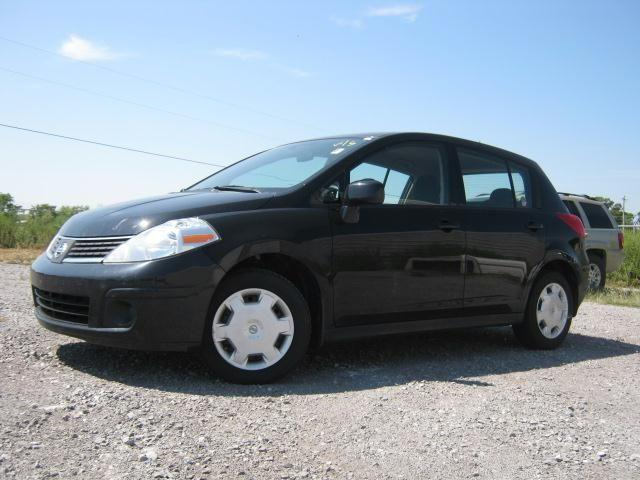 2009 nissan versa 1 8 s for sale in shelbyville tennessee classified. Black Bedroom Furniture Sets. Home Design Ideas