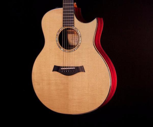 2009 Taylor 35th Anniversary XXXV GSC Grand Symphony Cocobolo Acoustic Guitar