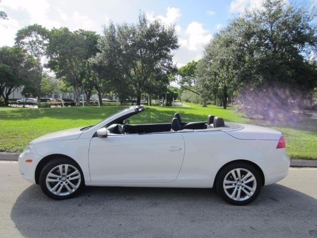 2009 volkswagen eos komfort komfort 2dr convertible 6m for sale in delray beach florida. Black Bedroom Furniture Sets. Home Design Ideas