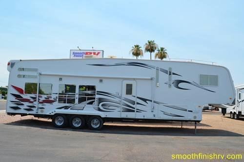 2009 Weekend Warrior 5th Wheel Toy Hauler For Sale In Mesa