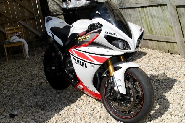 2009 Yamaha R1 in Chicago, IL for Sale in Chicago, Illinois ...
