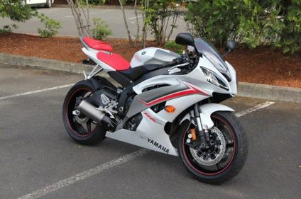2009 yamaha yzf r6 white pearl red for sale in jersey city new jersey classified. Black Bedroom Furniture Sets. Home Design Ideas